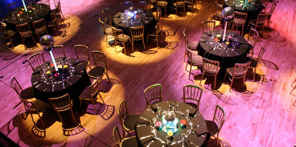 Pentland theatre in banqueting format with round tables